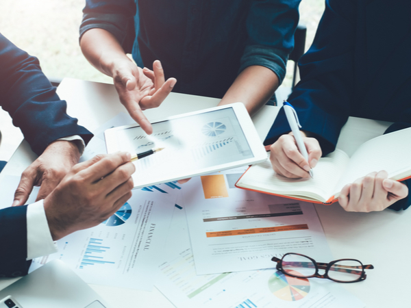 Difference between a financial planner and an accountant